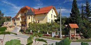 Tourist farm Hlebec
