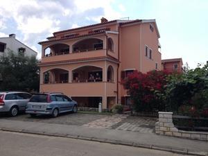 Apartments Zdjelar