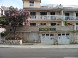 Apartments and diving centre Petric