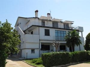 Apartments Adamovic