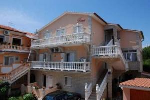 Apartments Tina